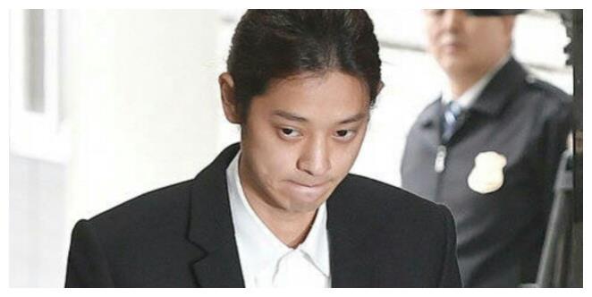 郑俊英承认所有嫌疑!现场鞠躬认罪,读稿道歉被指责没诚意