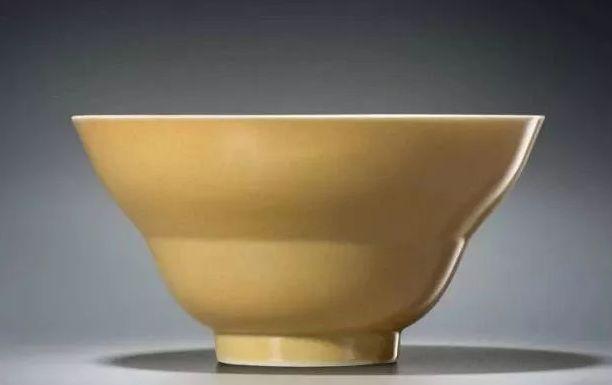 """故宫博物馆:古代瓷器工匠心灵手巧,釉色""""七龙珠""""集齐"""
