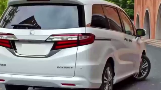 视频:本田奥德赛配双天窗+电动侧滑门,油耗仅5.8L,值是购买吗?
