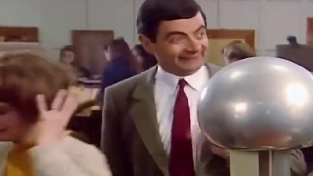 憨豆先生:你的油头,多大的静电都带不起来啊,真的调皮了