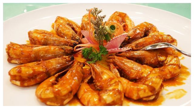 正宗的油焖大虾的做法,饭店大厨的独门秘诀,好吃到舔手指