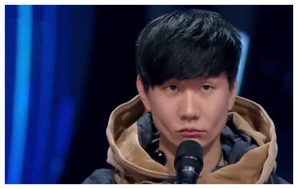 谭维维现场翻唱神曲,林俊杰一脸尴尬,胡彦斌却是沾沾自喜