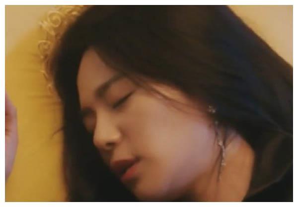 《皇后的品格》26集出现bug 闵宥拉装睡情节被更改