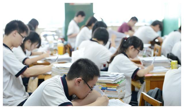 重点高中普通班和普通高中重点班,学生应该怎么选?看完你就懂了