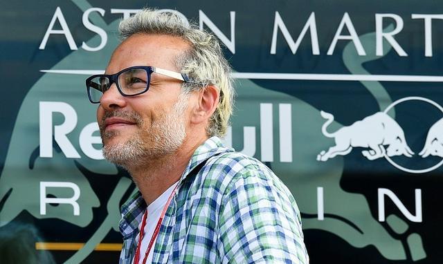 「F1」雅克·维伦纽夫说,由于模拟器,年轻车手在冒更大的风险