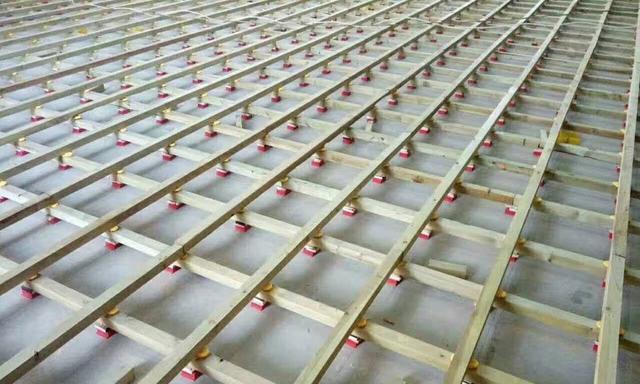 体育场木地板日常使用中的防腐和上漆