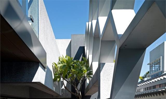 台北透天建筑:蜂巢的房子