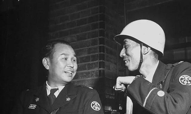 一股浓浓伪军范儿,还有一个女特务,1952年的日本警视厅旧影