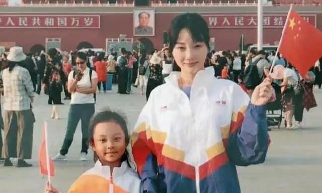 同是离异家庭的孩子,对比李小璐7岁女儿和杨幂5岁女儿,差距天大