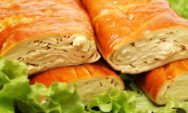 豆制食品素鸡形似鸡肉,软中有韧,味美醇香,豆制品素鸡制作方法
