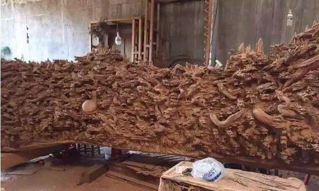 一块儿上好的崖柏,雕刻上1000条龙,变成了什么样子