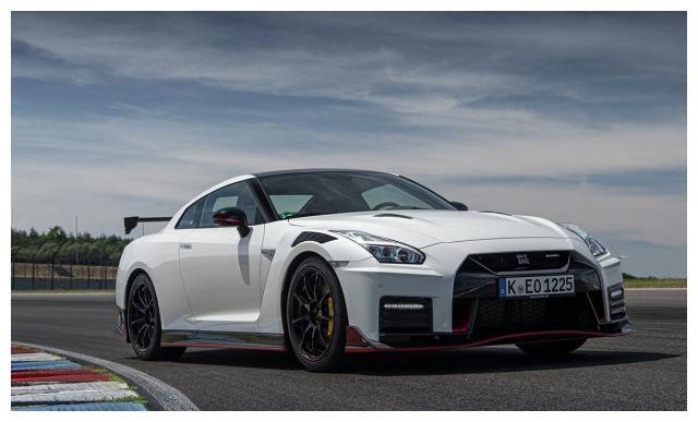 2020年日产GT-R NISMO,在德国Lloydz赛道正式亮相!