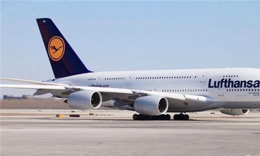 他花25万买了一张无限次机票,被人嘲笑20年,如今航空公司很头疼