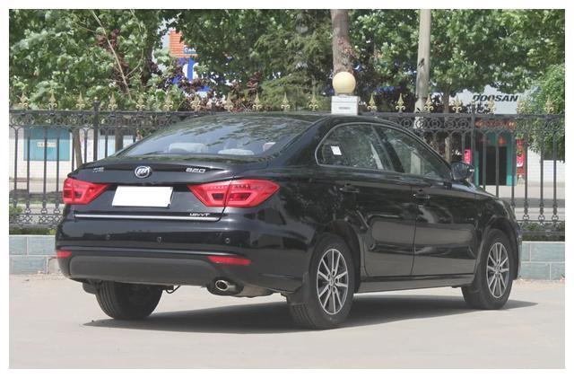 最窝囊的B级车, 5毛油耗, 7.68万没人买, 仅因名字起错了?
