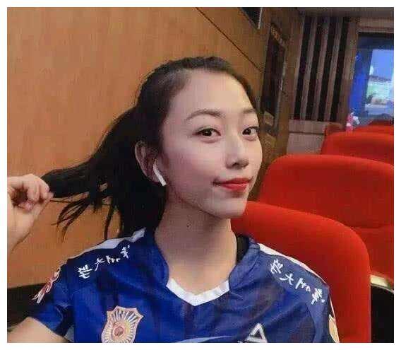 两位新人离开漳州,中国女排阵容回到去年,高二传新秀令人遗憾