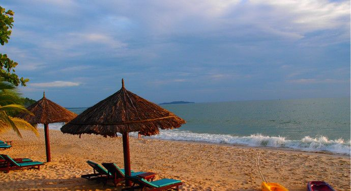 它是西哈努克城最著名的海滩之一,绵延超过1000米!