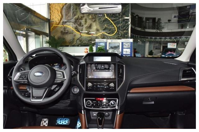 又一款骄傲的纯进口SUV,配全时四驱20万起,发动机奔驰都追不上