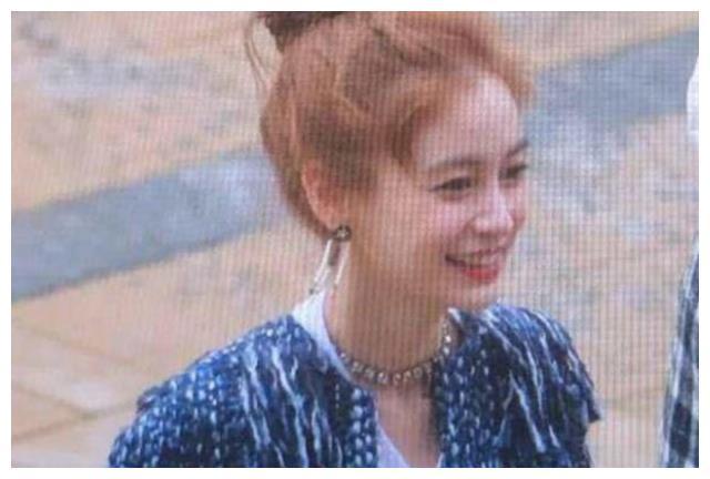 杨颖再现新发型,韩范儿十足,网友:刚从韩国回来么?