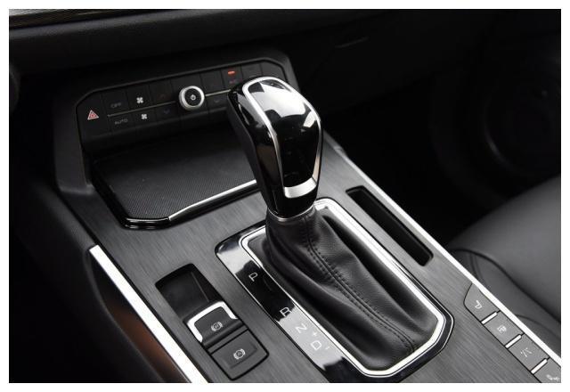 长城最优秀的高端SUV,2.0T爆发224马力,不足13万
