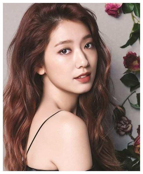 风格百变的小姐姐朴信惠,这样的她你喜欢吗?