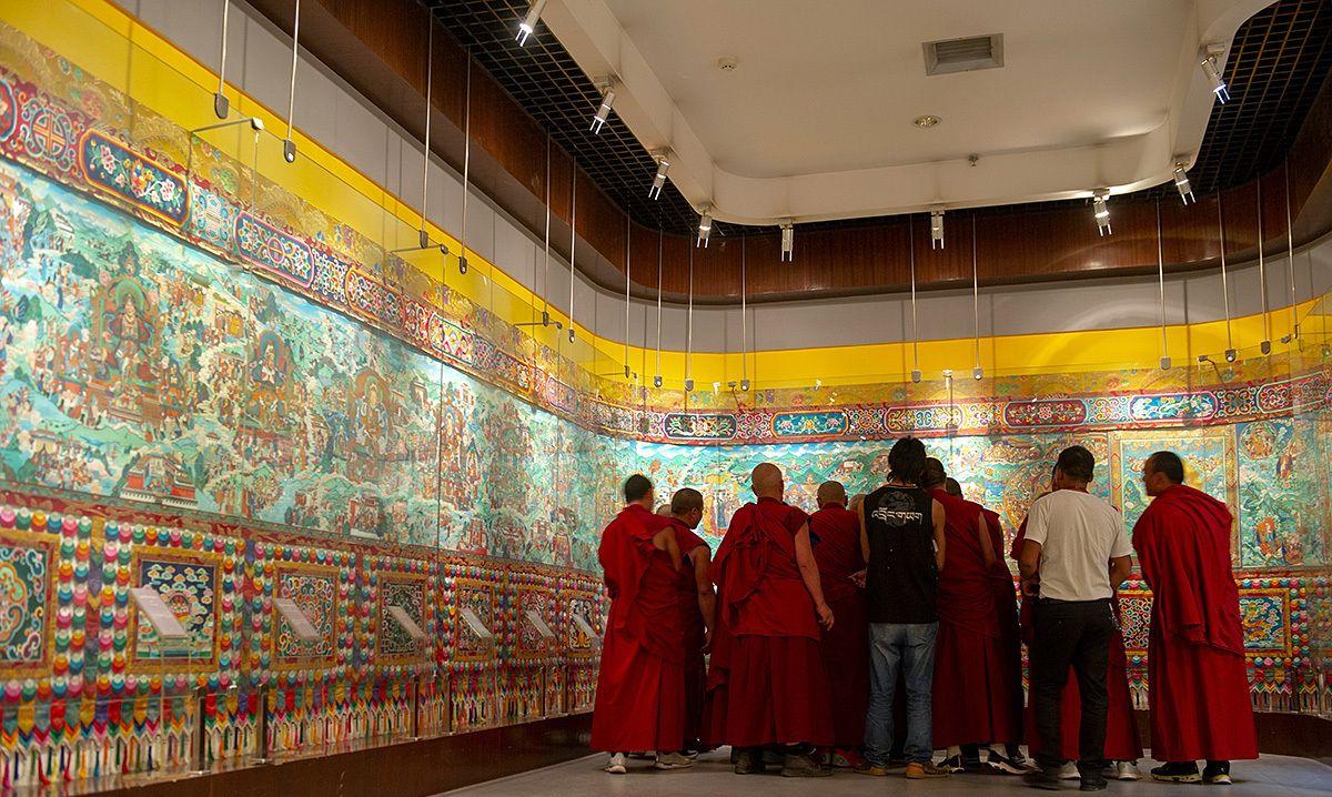 青海这座博物馆收藏618米长的巨幅唐卡,荣获吉尼斯世界纪录