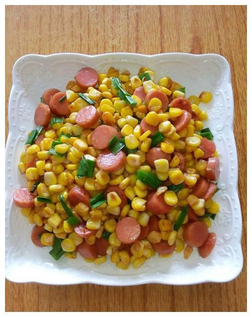 家常菜玉米粒炒火腿肠,勾起孩子的食欲。