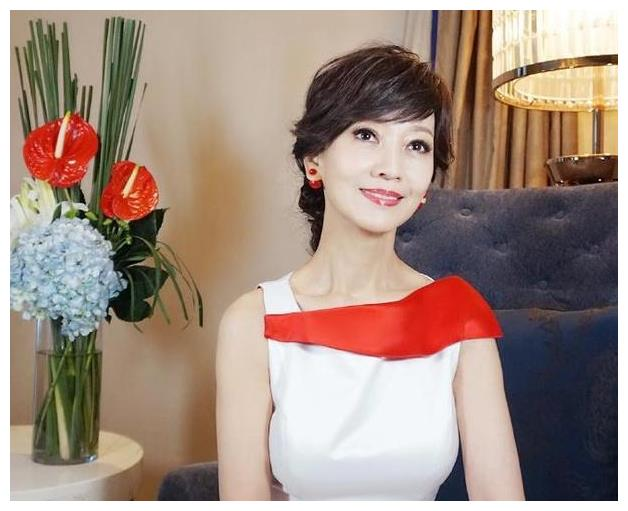 赵雅芝潘迎紫刘晓庆,那些被称作是少女的明星,真实样子吓死你!