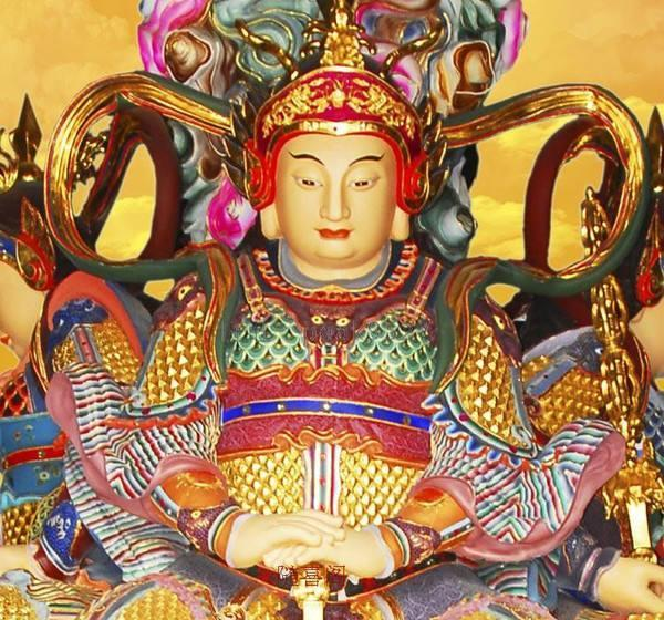 中国佛教寺庙布局,一般佛像都是怎么安排和塑造的?