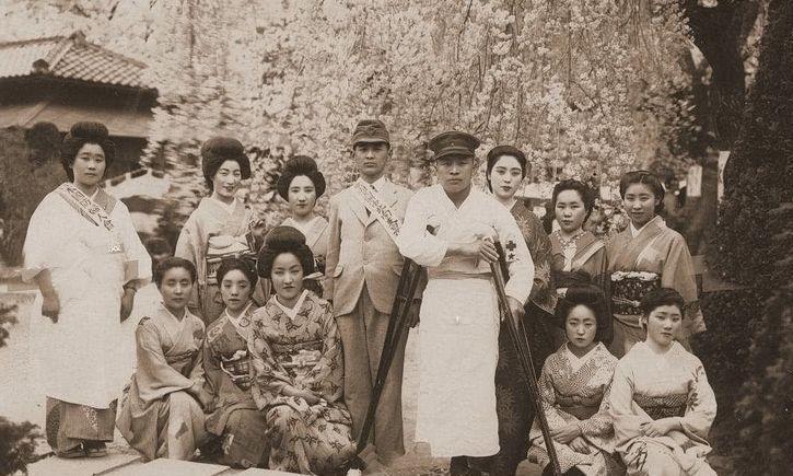 二战时,最残忍的不是日本士兵,而是这些被蛊惑的日本家庭主妇