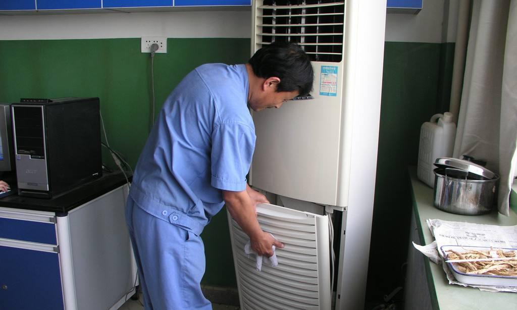 高校宿舍共享空调5元一小时惹争议,空调公司回复:已经打了5折