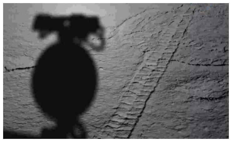 """月球背面发现新物质!""""兔子""""传回一张重要照片,震动航天界"""