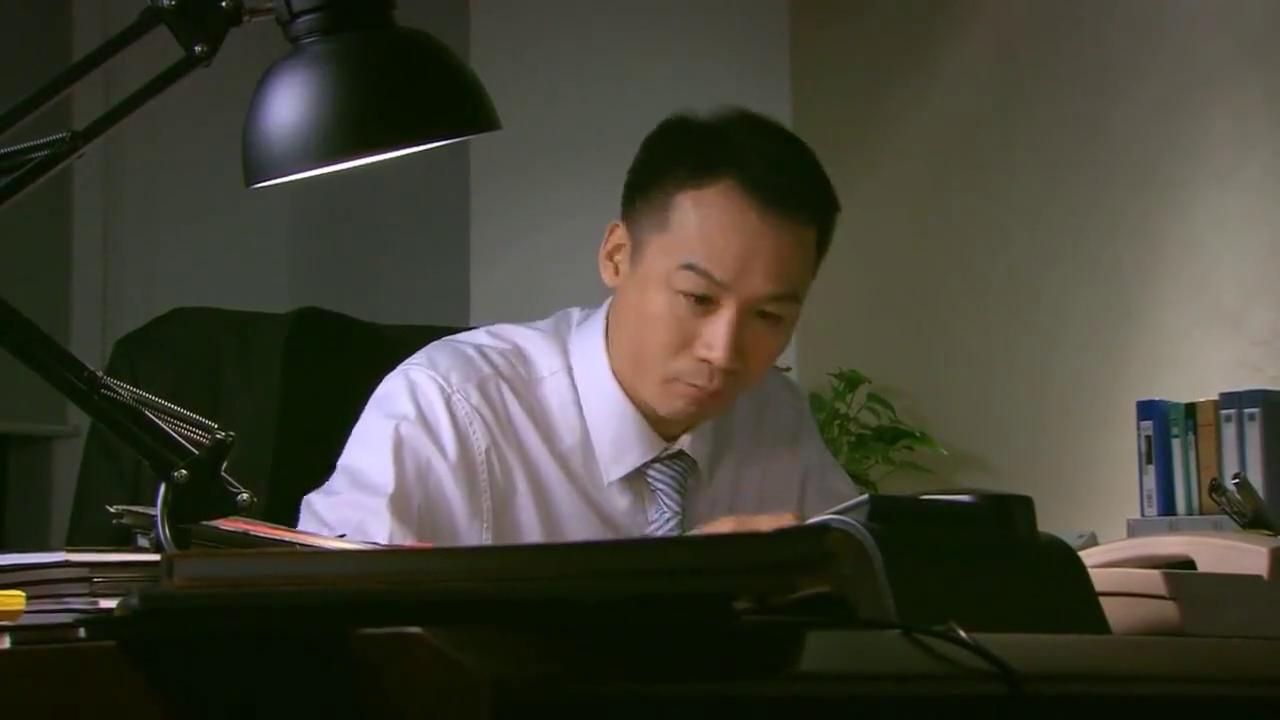 相爱十年:小伙发现公司逃税秘密,以此威胁老板,老板无奈妥协!