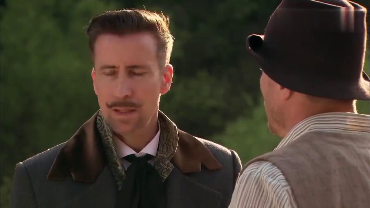 小伙说玉并非空穴来风,不料老哥却告诉他,真真假假说不清的