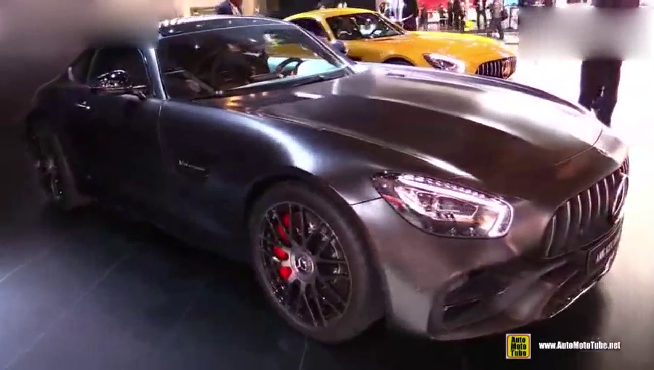 视频:剑指保时捷911的奔驰AMG GT C50周年纪念版!