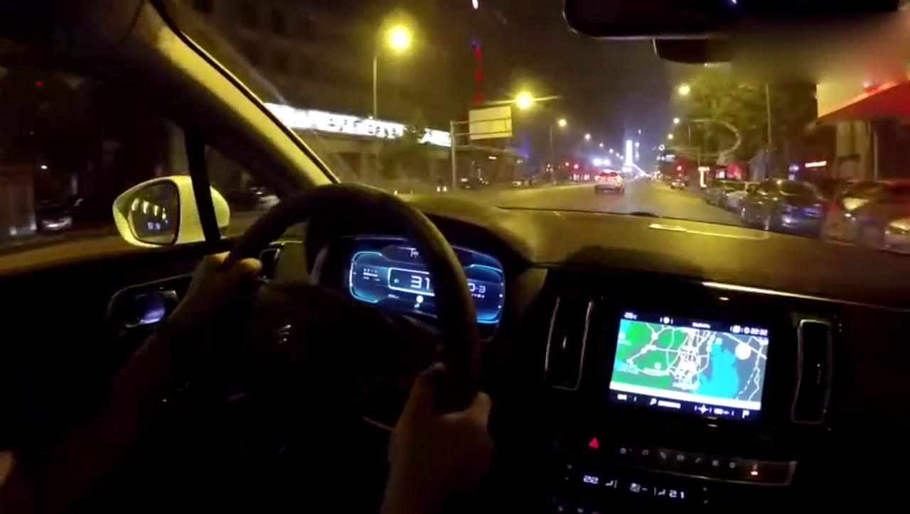 视频:东风雪铁龙C6上路体验,起步轻快,动力十足!