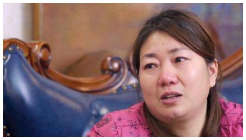 谈及儿子,王源妈妈泪洒当场,后悔当初出道,网友:扎心了