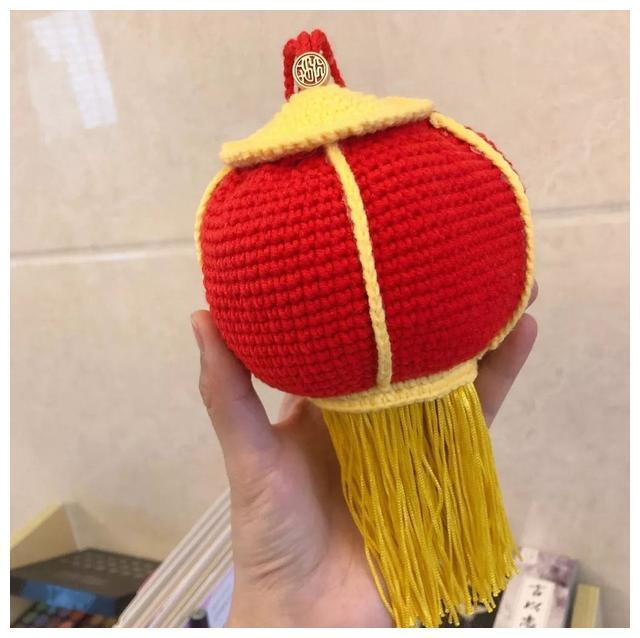 「钩编图解」大红灯笼束口包和蝴蝶结手拿包的钩织图解