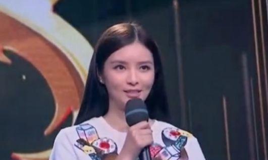 女孩称父亲最好的朋友是张国荣,说出名字后全场不淡定了