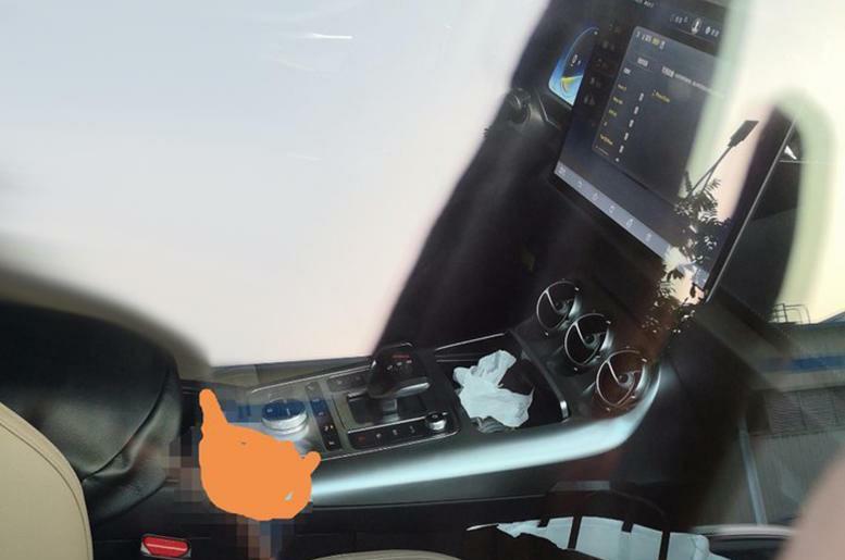 比亚迪和奔驰打造的SUV来了!腾势X实车曝光,比汉兰达更大气