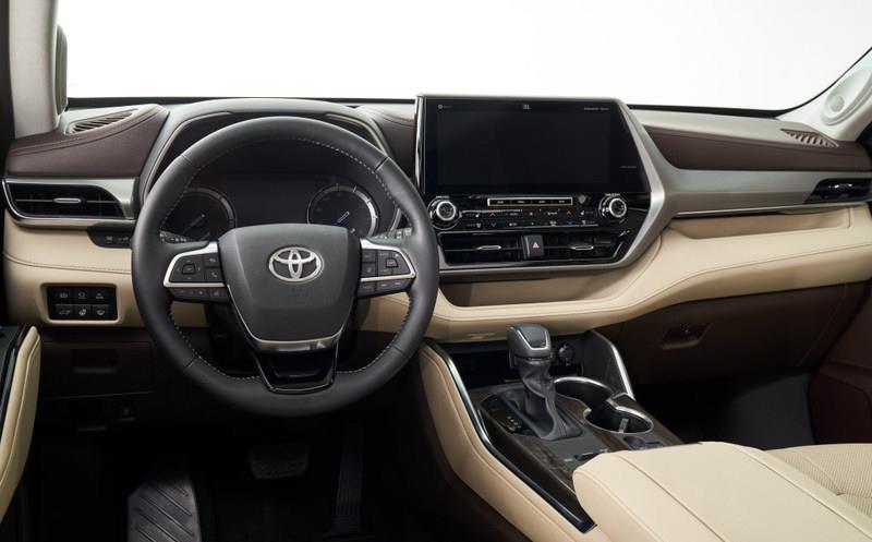 这车搭两种动力,造型硬朗大气,内饰配置丰富,看完还买啥途昂