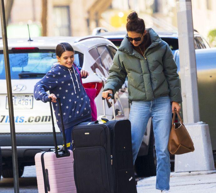 凯蒂·霍尔姆斯,带着女儿小苏瑞外出,苏瑞的颜值,好高啊