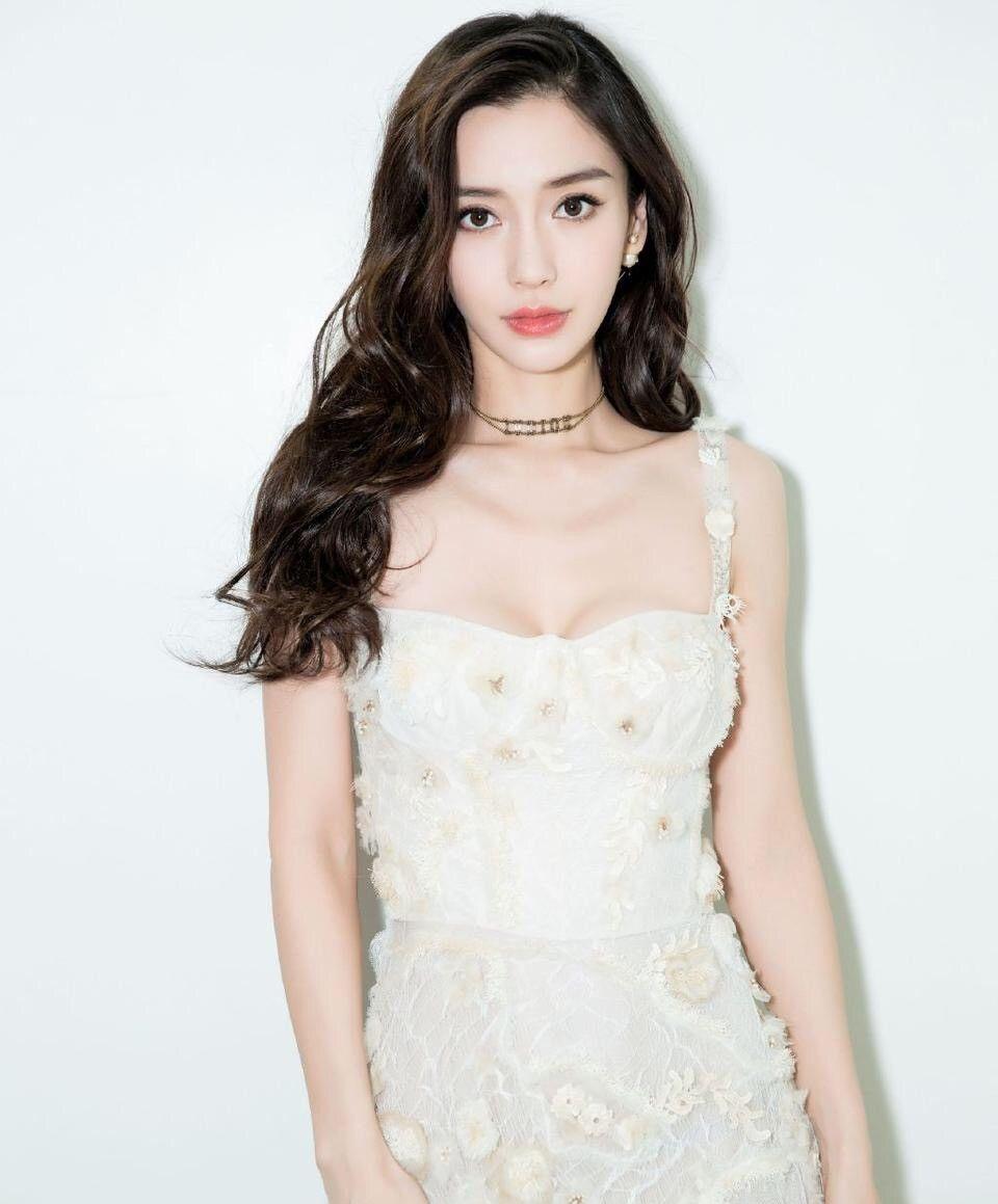 angelababy身穿仙女裙,青春阳光,这身材也太好了吧!