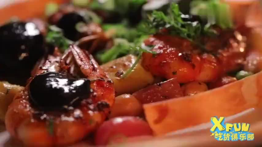 这道菜超惊艳,海鲜和酱料完美融合,闻一下就会流口水!