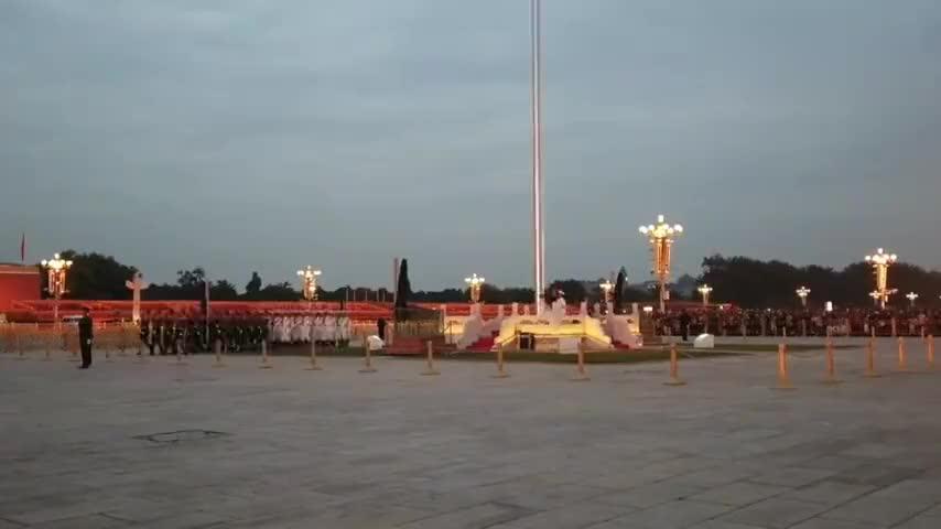 5点40分天安门广场降旗仪式太壮观了