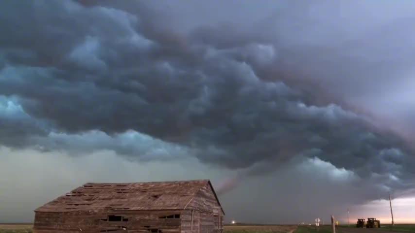 高清延时拍摄雷暴过程小说里的天劫也就这样了吧