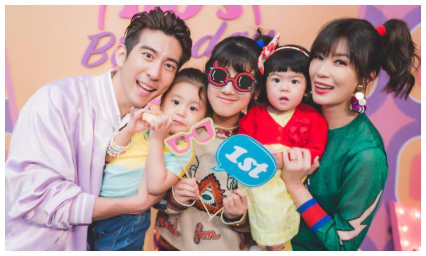 贾静雯3个女儿,黎姿3个女儿,钟丽缇3个女儿,差别不是一点点