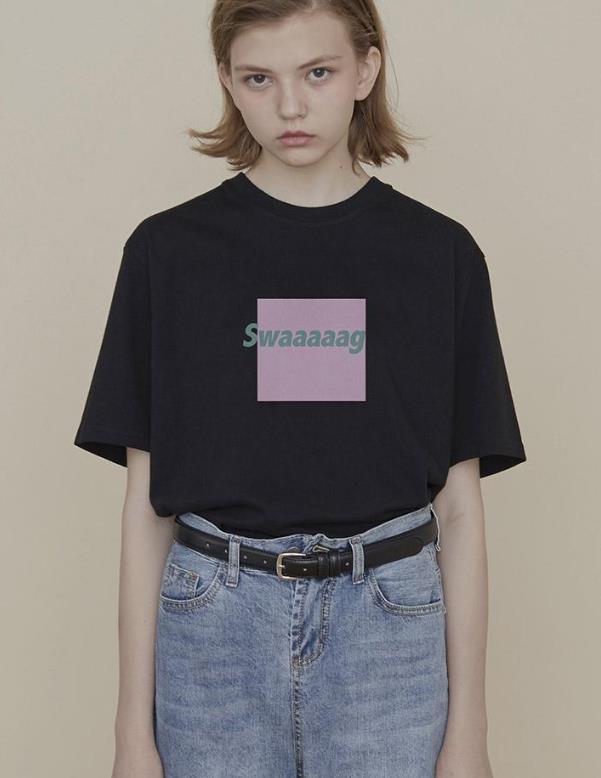 有一种经典时尚叫黑色T恤,今夏流行的潮流单品,怎么搭都好看