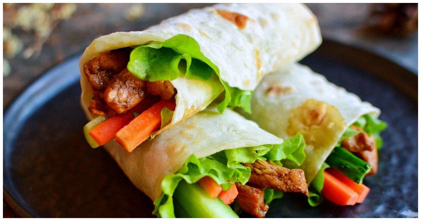 老北京鸡肉卷在家就能做,做法简单营养美味,新手一学就会