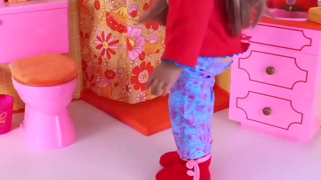 芭比娃娃感冒时间,流鼻涕,咳嗽,量体温,准备营养餐,暖手袋