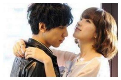 李昇基抱过的女星:抱林允儿最甜蜜,抱裴秀智最浪漫,抱她一脸懵